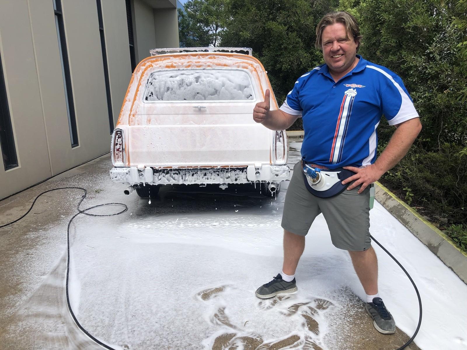 ▲▼獵奇洗車裝置(圖/翻攝自bowdensown)