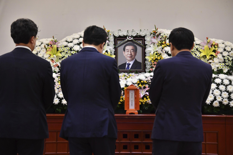 ▲▼首爾市長朴元淳過世,不少南韓黨政高層赴靈堂致意。(圖/達志影像/美聯社)