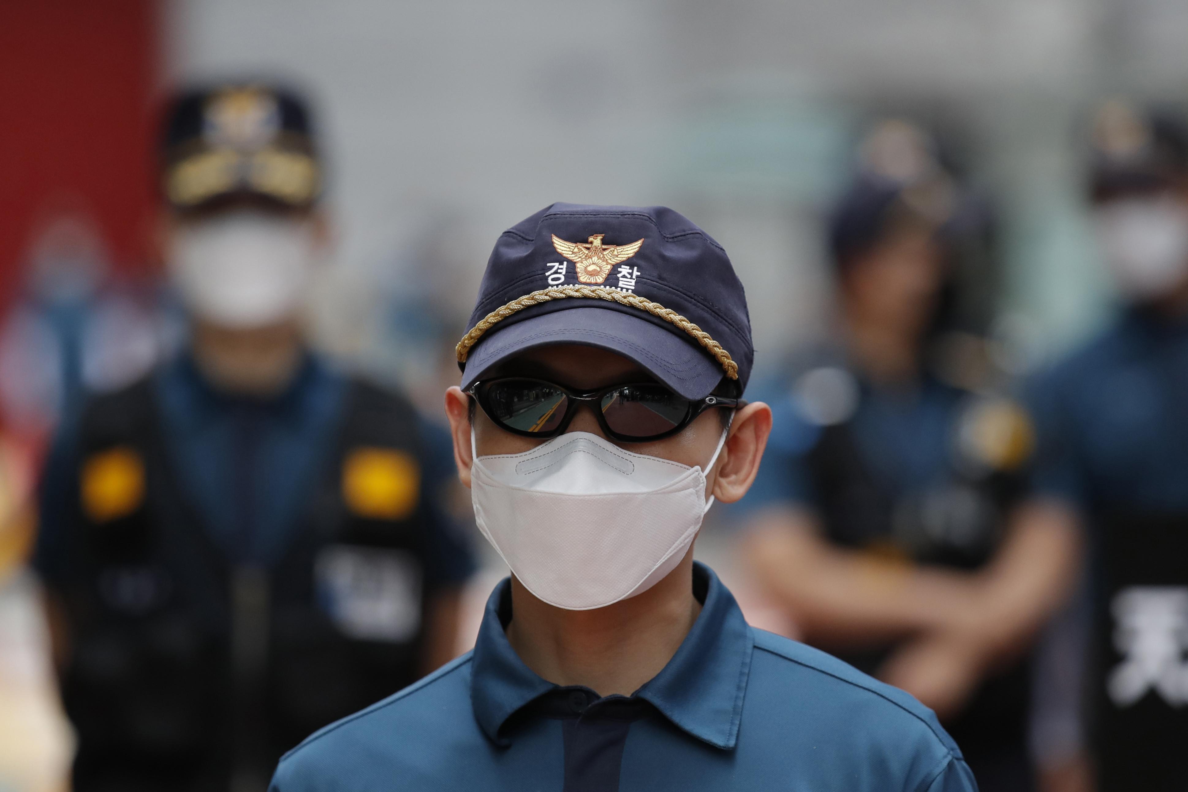 ▲▼南韓12日起解禁口罩公賣制。(圖/達志影像/美聯社)