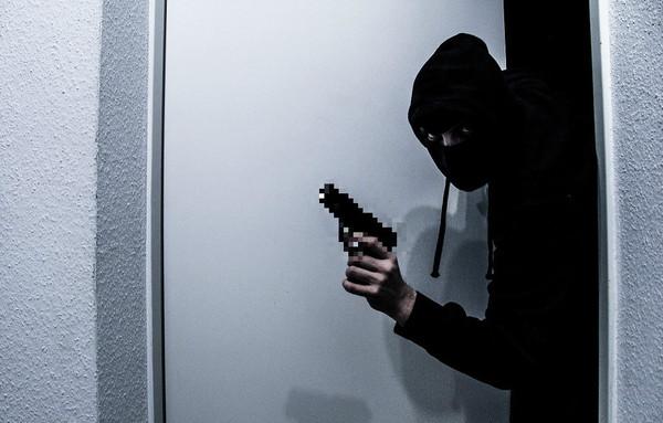 外送茶妹遭上銬搶劫 飯店經理「聽聲音不對」破門救人 | ETtoday社