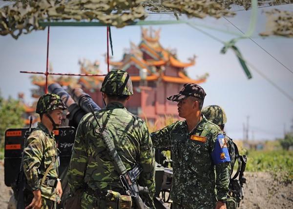Re: [新聞] 國軍後備傳被美軍評為「虛有其表」 蔡英