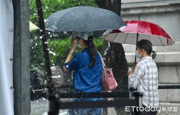 快訊/下班注意!南投升級豪雨特報 對流雨彈續襲10縣市