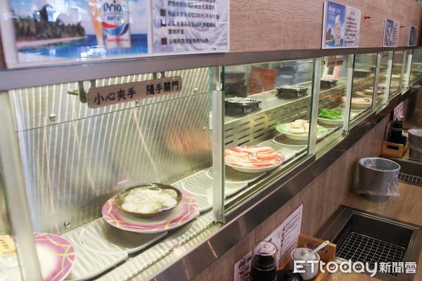 每盤50元起!台灣也有一個人也能吃的「迴轉燒肉」 想吃什麼就拿什麼 |