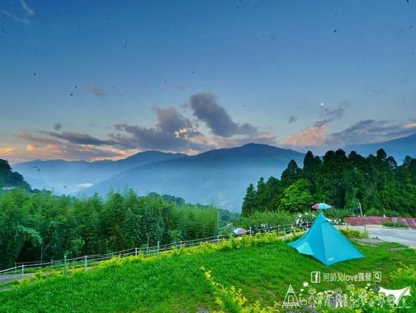五星玻璃衛浴!新竹空靈雲海露營區 翠綠山景+耀眼星河美到翻