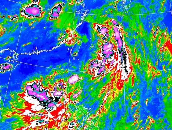 低壓帶甩雨彈連炸3天 氣象局示警「下雨時程」:周二全台防豪雨突襲