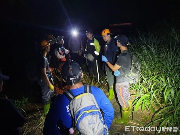 雙溪登山驚魂!男子獨自爬灣潭山「3小時就迷路」…15消防員緊急出動救人