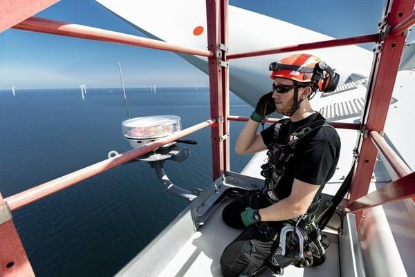 挑戰新型態海上工作!外商徵才守護離岸風場 全球運維團隊夥伴打造風電產業
