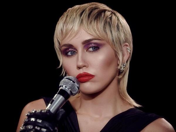 ▲麥莉希拉(Miley Cyrus)。(圖/翻攝自麥莉希拉IG)