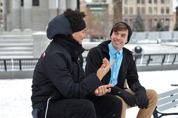 見面就微笑、講話一直看對方都母湯!跟著專家「7撇步」留下深刻的第一印象