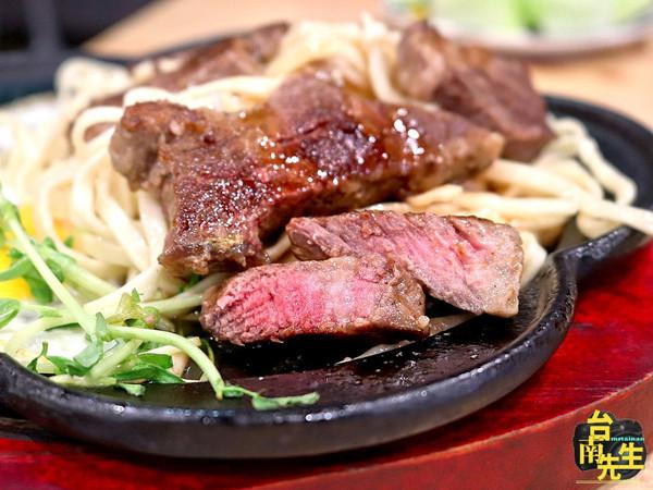 免費加飯加麵!台南高CP值平價牛排 還有濃湯、沙拉無限吃到爽 | ETt