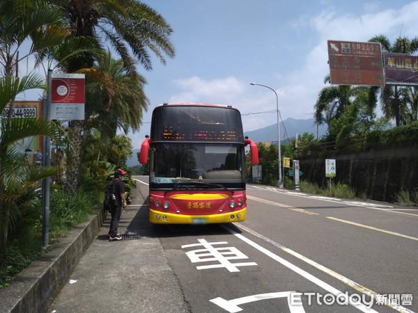 雲林劍湖山公車站...超簡陋 村長建議設立加蓋候車亭 | ETtoday