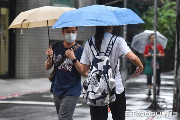 周日水氣多!北東「4地區」有大雨 宜蘭雨下不停2關鍵原因揭曉