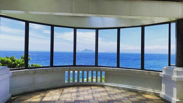 宜蘭看海新去處!景觀餐廳「灆咖啡」開2店 180度看海、遠眺龜山島 |