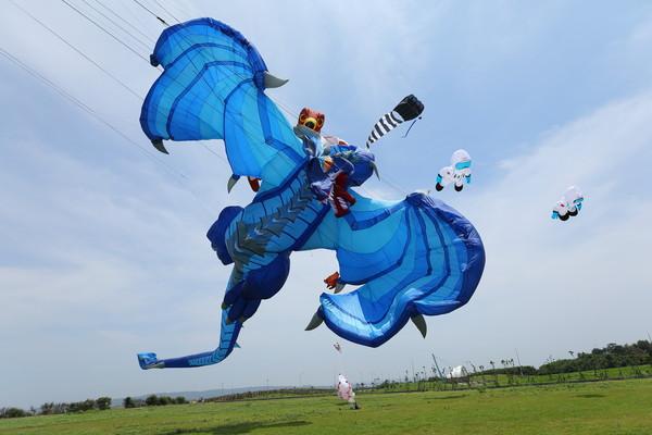 新竹市國際風箏節「4大亮點」搶先看!巨龍領軍開史前趴 國家隊口罩風箏超吸睛