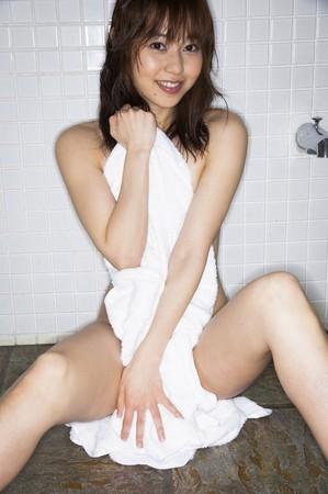 長崎真由子の美脚画像