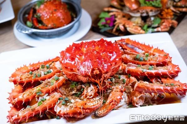豐FOOD百匯「趕蟹季」9/17開跑!限量帝王蟹8月底先熱身 每隻加購價2399元