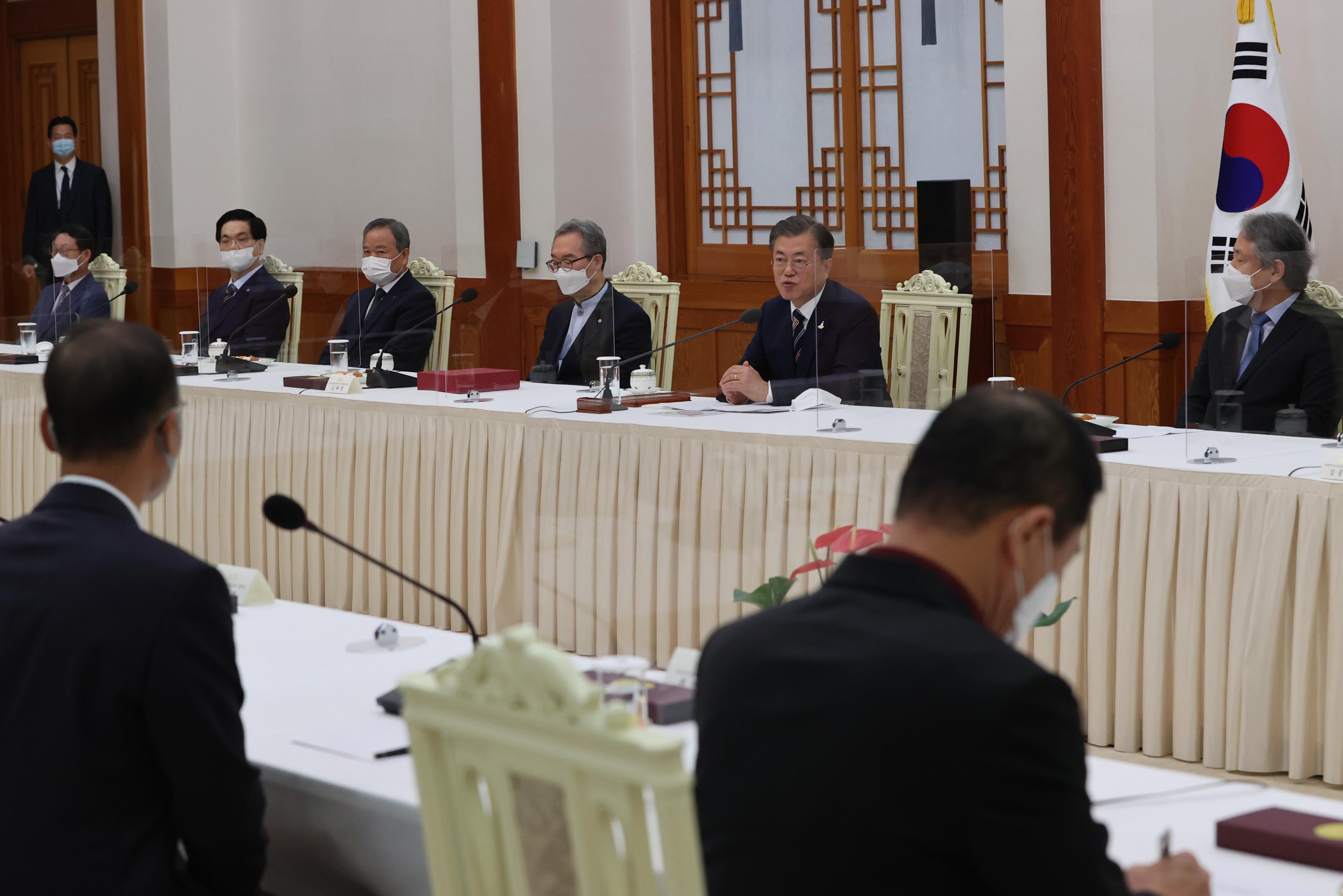 ▲▼南韓總統文在寅召見基督教高層,並舉行懇談會。(圖/達志影像)