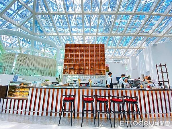 台南最美玻璃屋景觀餐廳「LUMIÈRE美.食光」 必點爐烤安格斯肋眼牛排