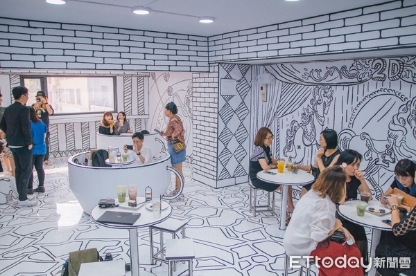 台中也有!2D咖啡店進駐紅點文旅 把旋轉咖啡杯搬進室內