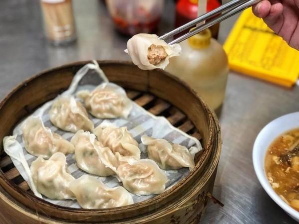 Q軟爌肉飯+半熟蛋超銷魂!彰化美食攻略 蒸餃包滿滿蔥花肉餡 | ETto