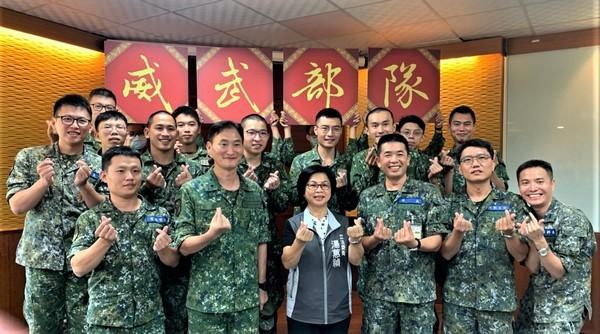 軍人節前夕參訪陸軍206、269旅 湯蕙禎勉役男們把握軍旅生活經驗 |
