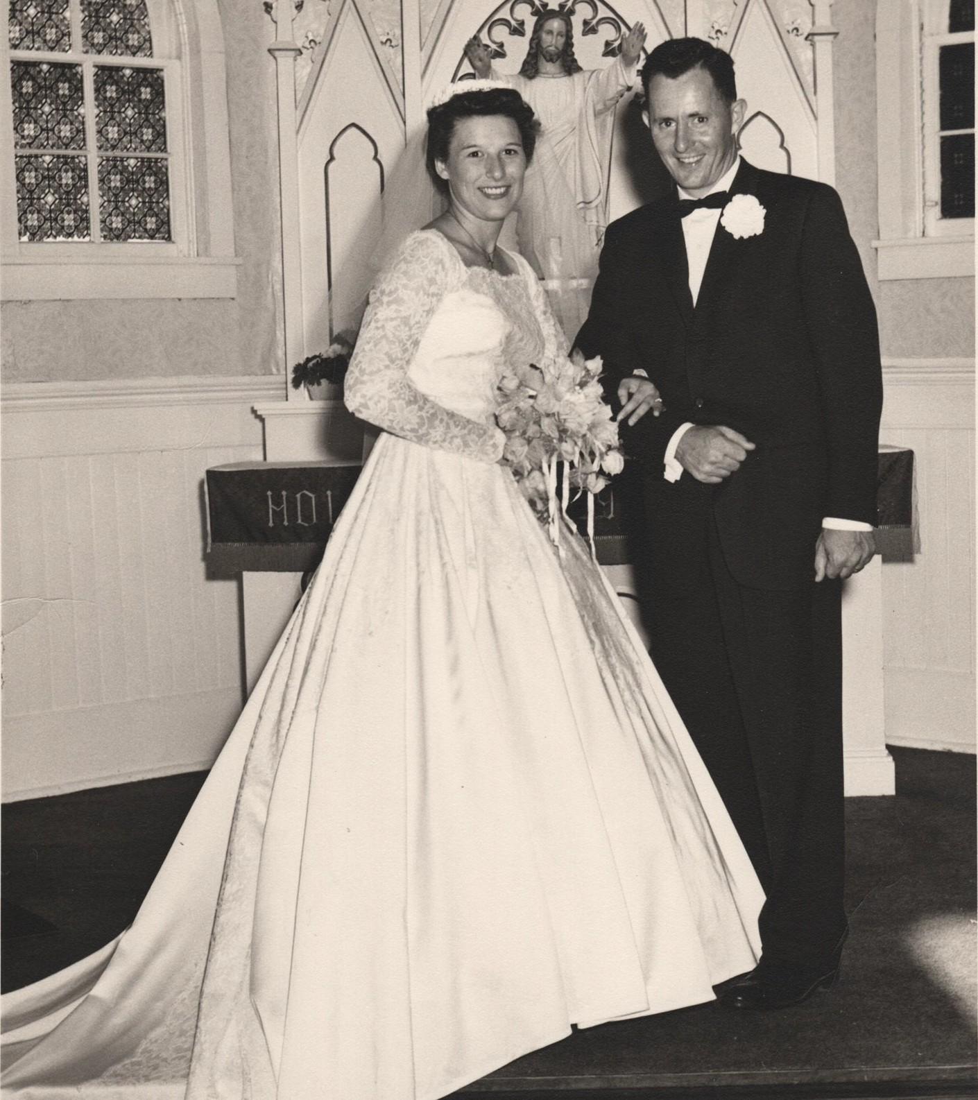 ▲▼夫婦結婚60週年,再度穿上婚禮當天服裝拍攝紀念照(圖/翻攝自instagram/katieautryphotography)
