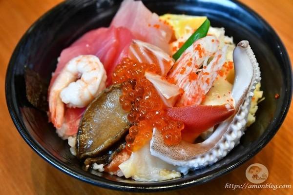 生魚片蓋飯免3百還一堆料!民雄平價日料老店 花枝壽司只要25元 | ET