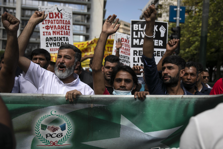 ▲▼難民以阿富汗人為主,數百人發動示威表示想去歐洲。(圖/達志影像/美聯社)