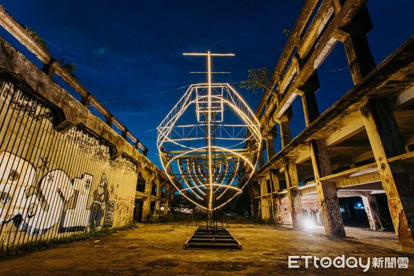 全台最大船型光雕、海上美術館2.0!「基隆潮藝術」25日起15件展品免費