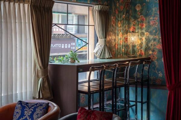 西門町文創旅店住一晚每人1000有找 24小時飲料、零食免費吃到飽 |