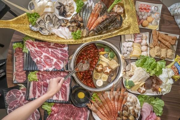龍蝦+鮑魚吃到飽725!桃園新開頂級麻辣鍋 爽吃軟嫩有勁M9和牛