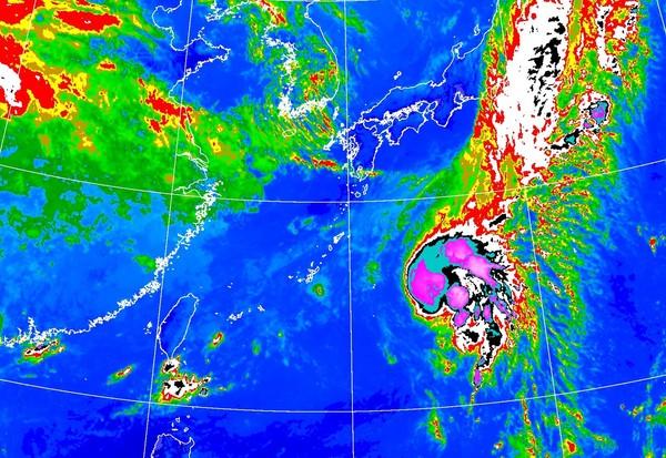 快訊/12號颱風「白海豚」突襲生成 最新路徑出爐預計會轉彎
