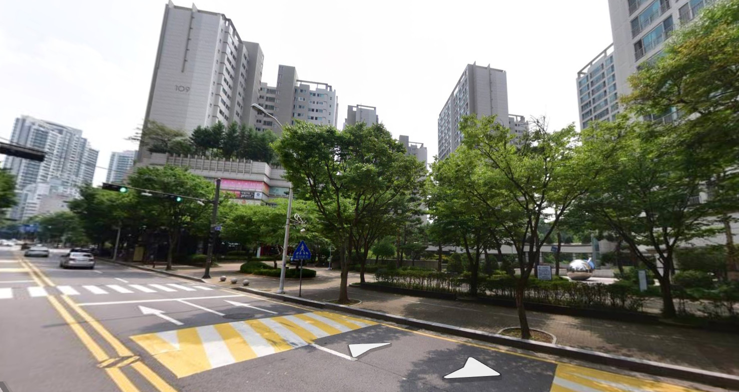 ▲▼京畿道城南市金谷洞某棟公寓大樓發生一起因花牌而起的命案。(圖/翻攝自Naver Map街景)