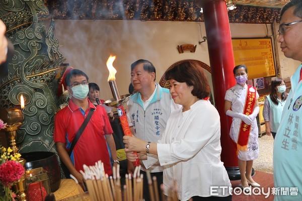 市運會暨中小學聯運受疫情延後舉行 嘉市鎮天宮引燃聖火