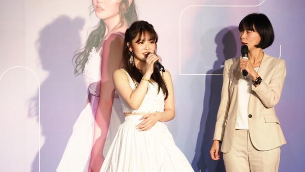 王欣晨5公斤禮服穿上身 宣布年底開唱「收入捐公益」 | ETtoday星