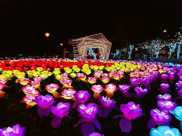 幾米月亮、玫瑰光雕!北部4大「夜間旅遊提案」夢幻造景免費拍 | ETto