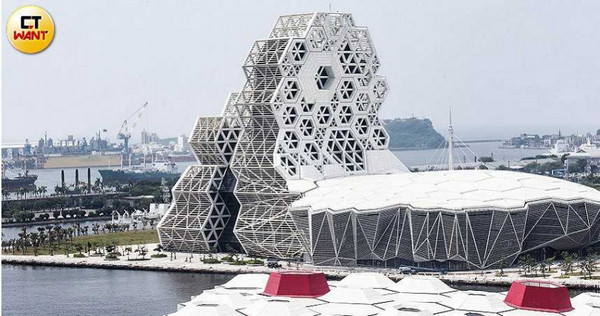 亞灣區周邊重大建設如高雄流行音樂中心等,皆陸續到位,成為南高雄豪宅推案首選。(圖/黃威彬攝)
