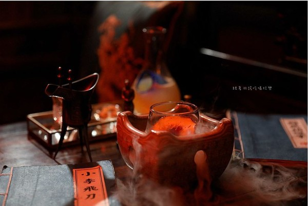 煙霧瀰漫準備開始Fun!西門中國風神祕酒吧 少女必嚐「王昭君」