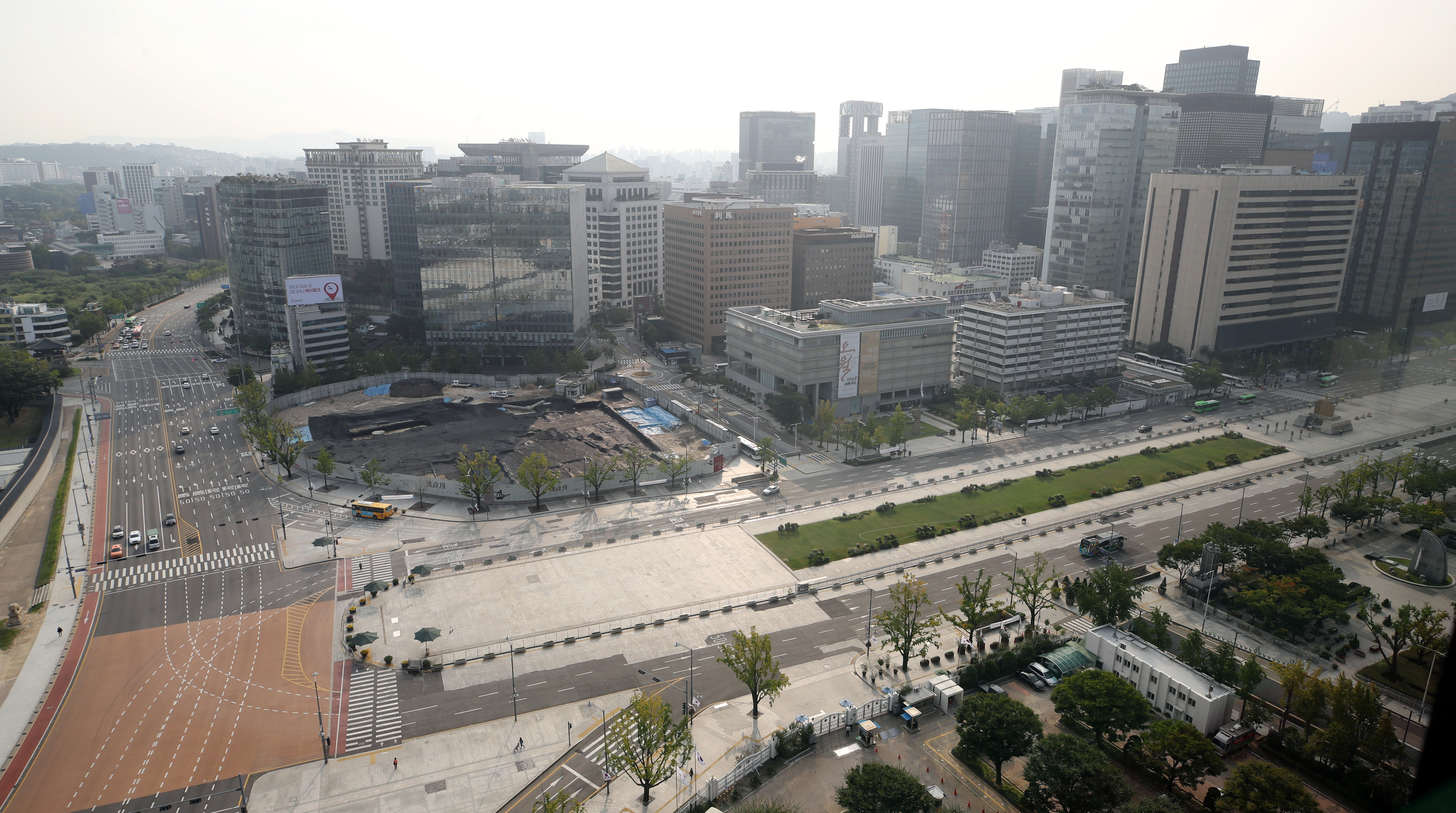 ▲▼南韓開始中秋連假,加上疫情影響,首爾街頭冷清。(圖/達志影像)