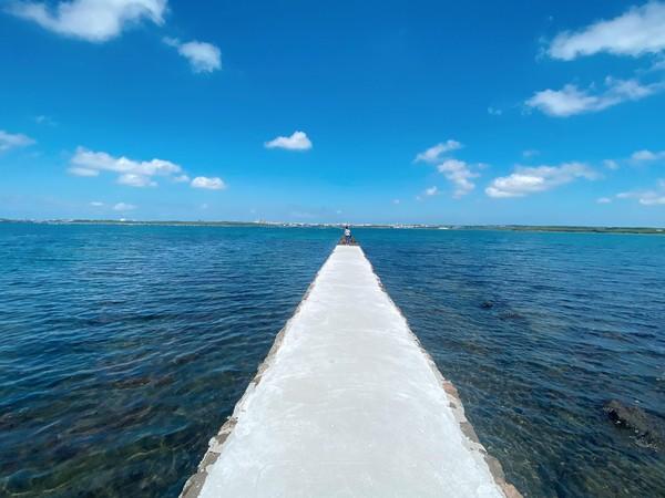 澎湖人都不知道的秘境!最新「純白天堂路」 通往玻璃藍海超夢幻