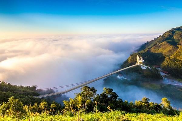 2020台灣10大最夯網美打卡點都在這 走全台最高天空之橋看雲海   E