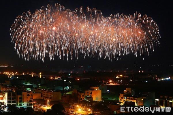 衝台南漁光島看國慶煙火!當晚天氣曝 氣象局揭3大慶典降雨機率 | ETt