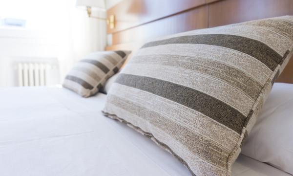 「床單7天沒換」細菌已開始滋生!寢具清潔重點一次看 | ETtoday健