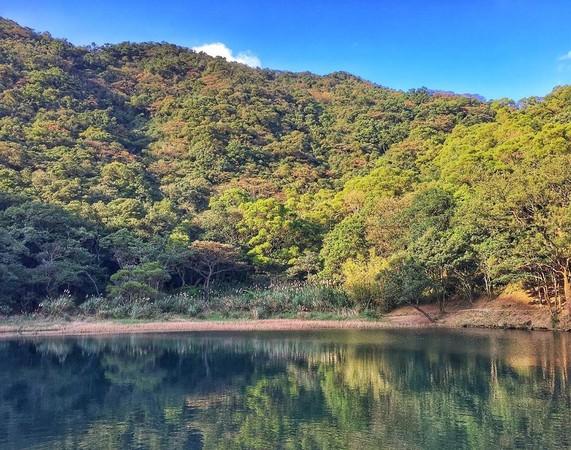 國慶連假來這!新北7條健行旅遊路線 走訪山中夢湖、看十三遺址點燈 | E
