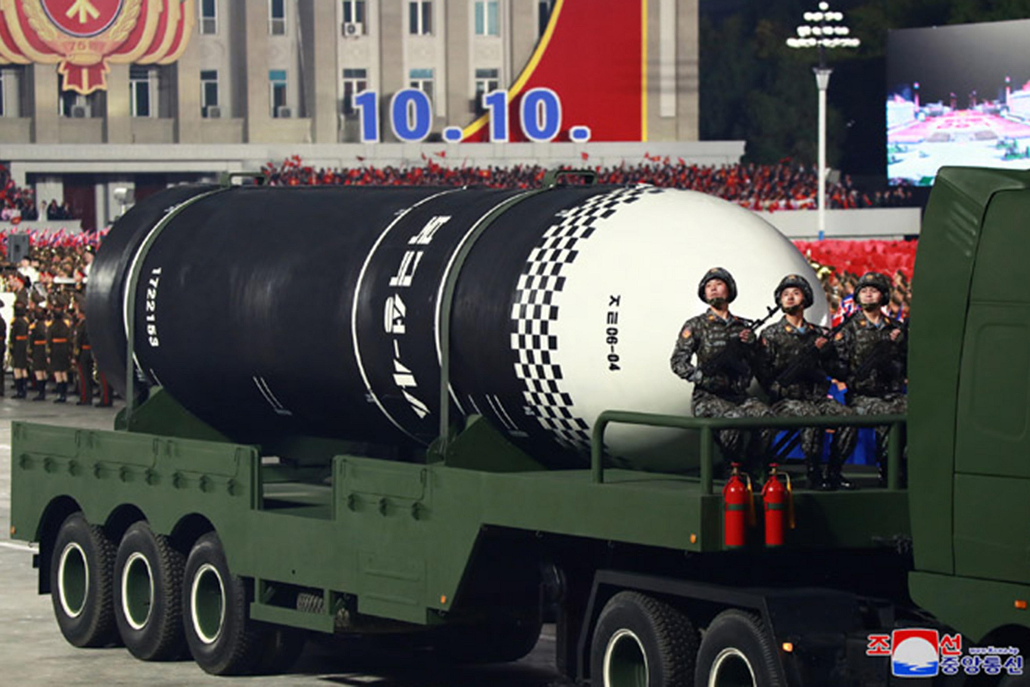 ▲北韓昨公開新款SLBM「北極星4ㅅ」。(圖/達志影像)