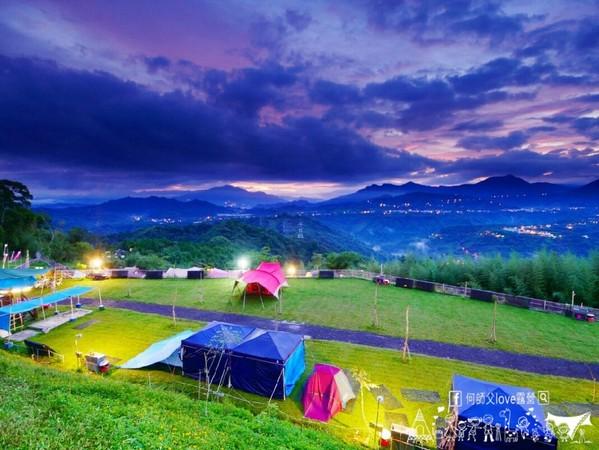 遠眺彰化+雲林雙夜景超猛!南投隱藏版露營區 還能看雲海放空入睡 | ET