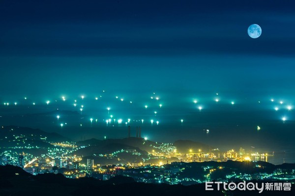 把握這個週末!萬聖節看絕美藍月 平溪浪漫月亮公園只到11/1 | ETt