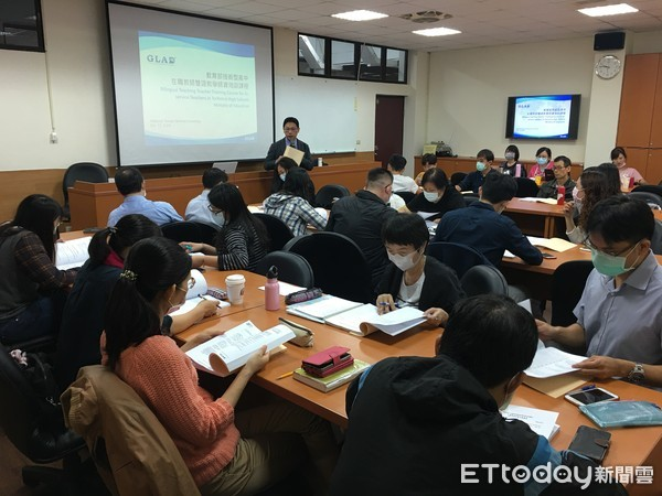 首創「雙語學分班」!台師大正式開課 近50老師搶先得雙語教師證