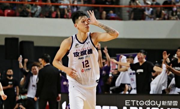P.League+/平反籃球生涯 李家瑞二度重拾籃球:我在攻城獅很幸福