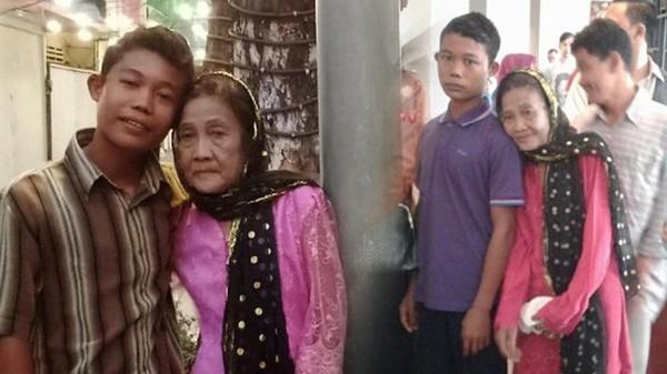 老少配差55歲!印尼19歲嫩夫「軟禁嬤妻」 怕太有魅力會外遇